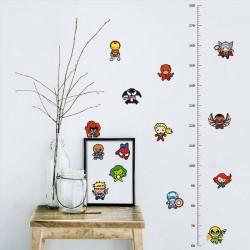 Samolepka na zeď jako metr Marvel